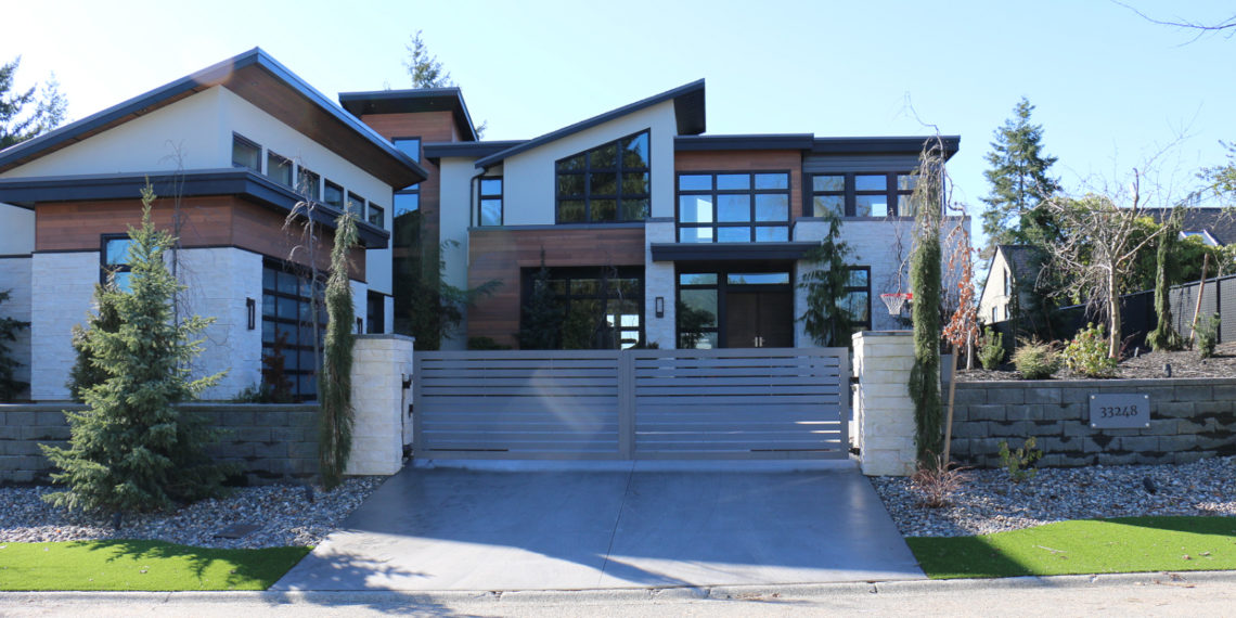 Modern gate in Mission, B.C.