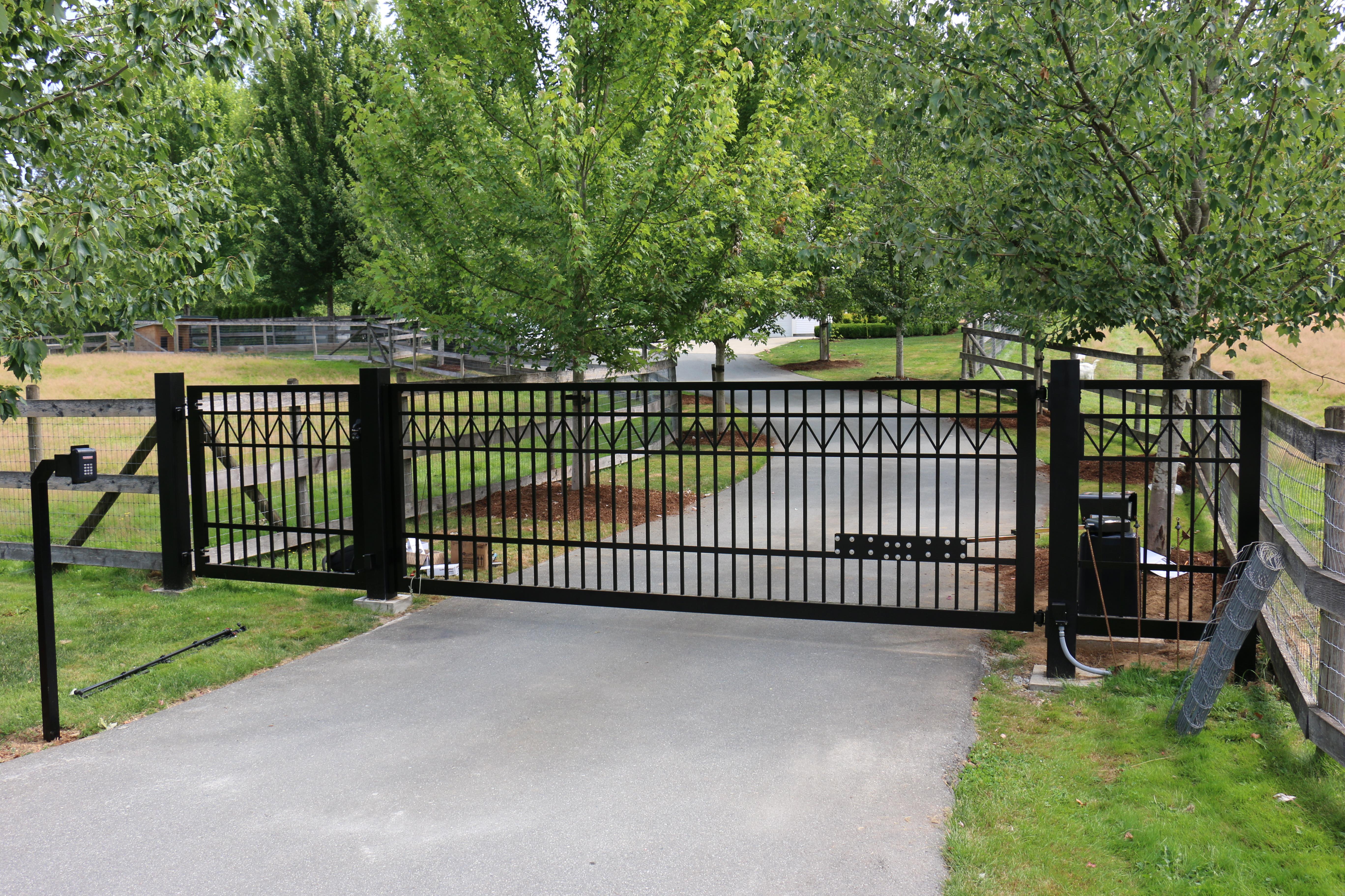 Driveway Gate Aldergove BC Portfolio #6 4