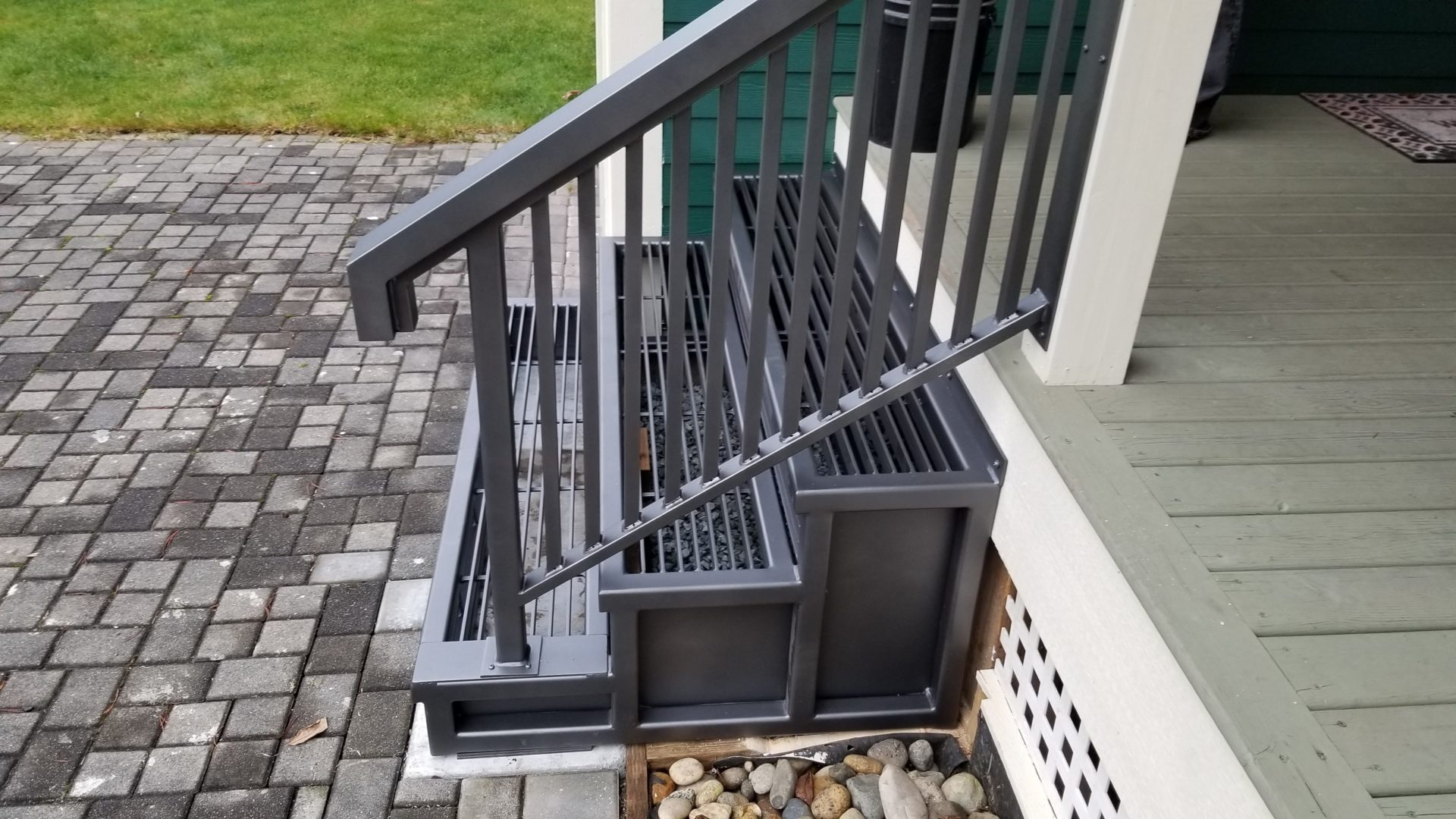 aluminum railings portfolio 20-16