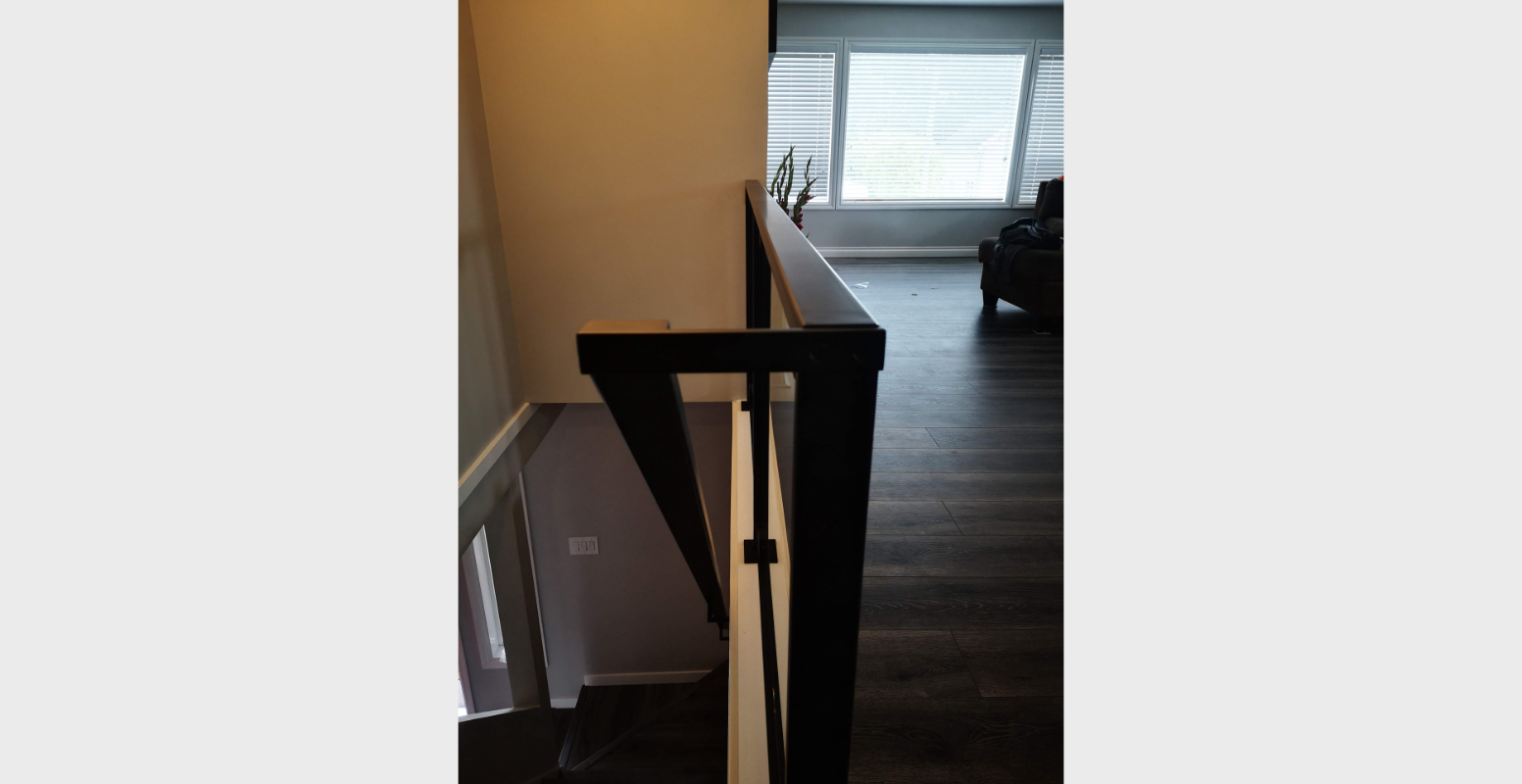 blacked out glass railing portfolio 23 (2)