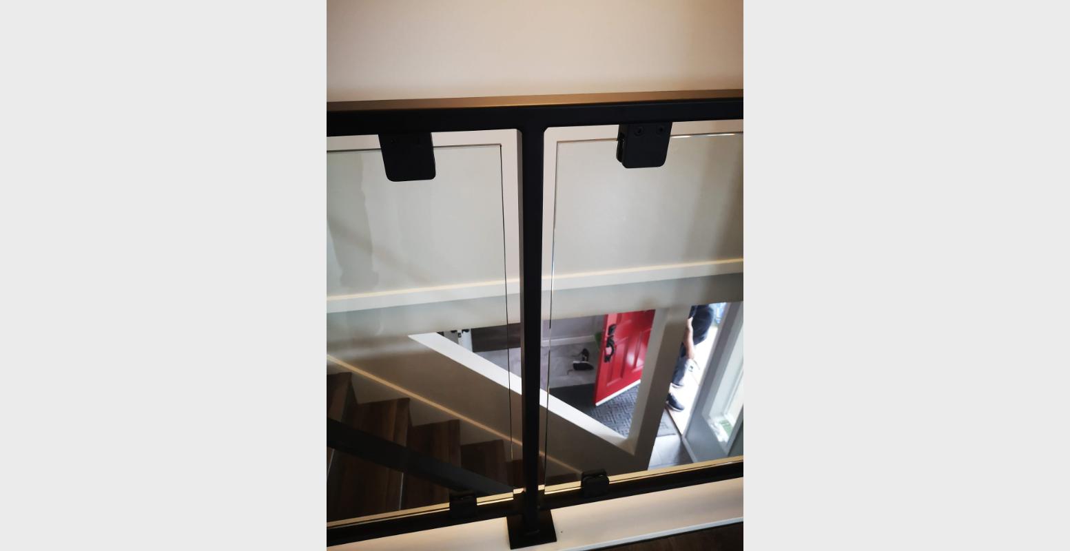 blacked out glass railing portfolio 23 (3)